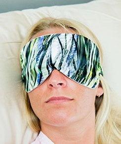 bamboo bliss eye mask jungle modeledd